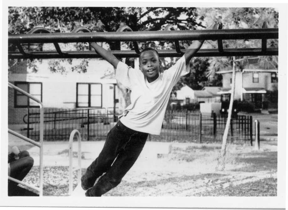 """Miracle Lemon, """"Hangin' Around,"""" 1999. Photo: Miracle Lemon, MFAH"""