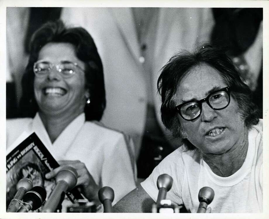 09/19/1973 - Tennis players Billie Jean King and Bobby Riggs hold press conference before Battle of the Sexes exhibition tennis match at the Dome. Photo: Sam C. Pierson Jr., HC Staff / Houston Chronicle