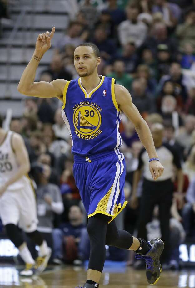 Stephen Curry was able to get things moving in the right direction with 44 points, 30 in the second half. Photo: Rick Bowmer, Associated Press