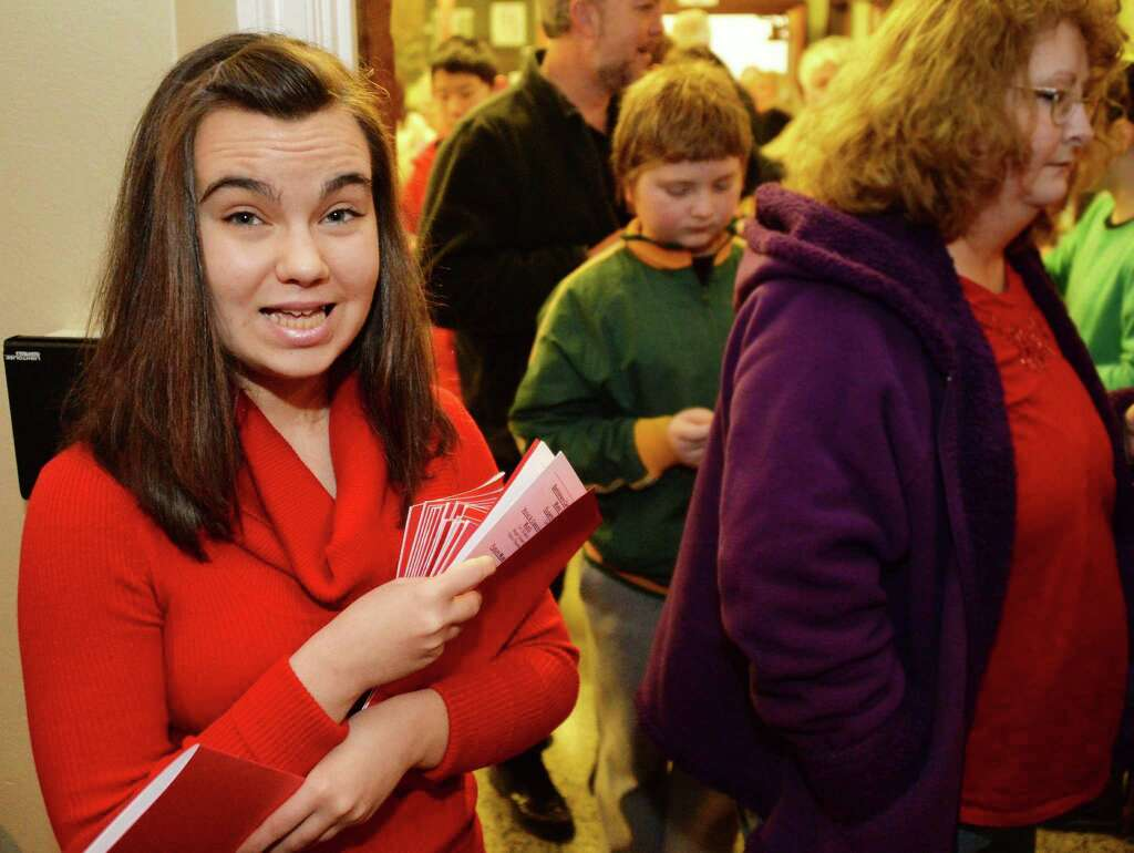 weekend in photos feb 3 2014 times union margaret perrotti 15 works as an usher during seussical jr at