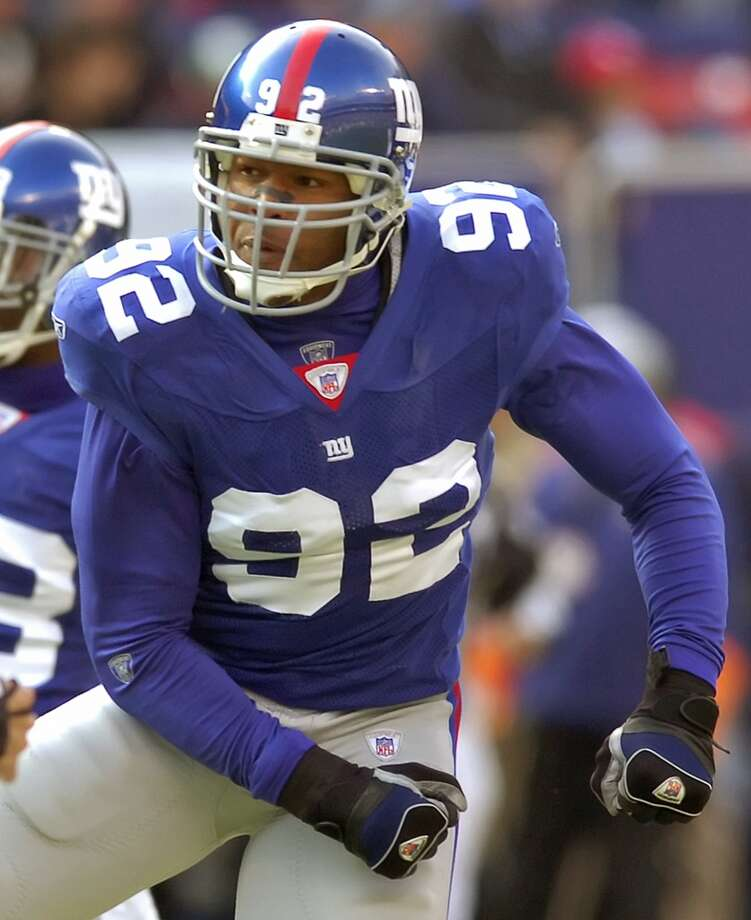 Michael Strahan during his tenure with the New York Giants. Photo: Bill Kostroun, Associated Press