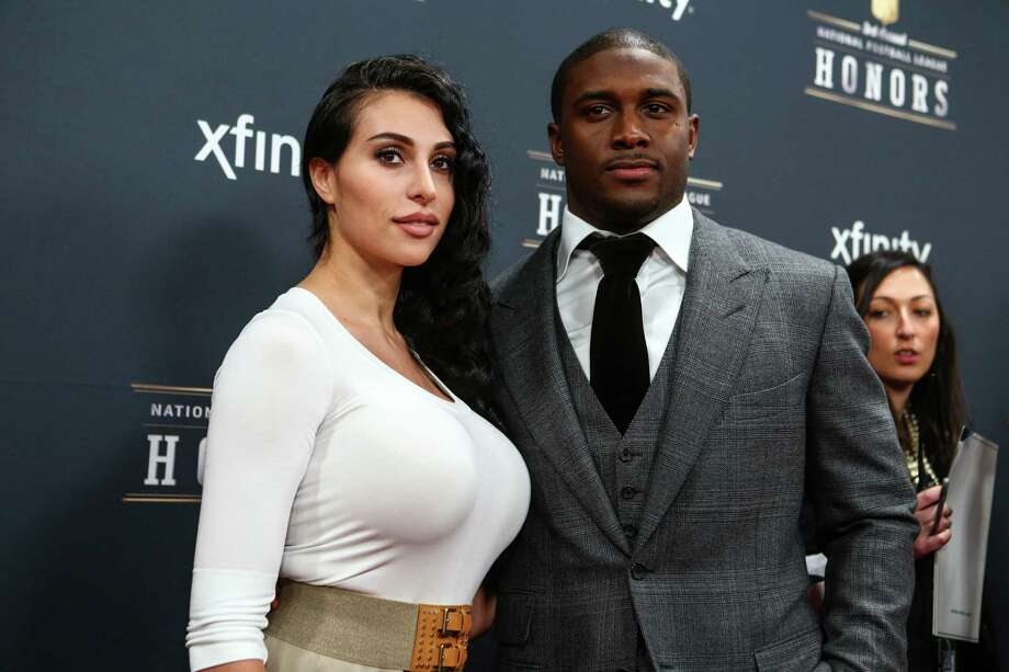 Football star Reggie Bush and Lilit Avagyan walk the red carpet before the NFL Honors awards ceremony on Saturday, February 1, 2014 at Radio City Music Hall in New York City. Photo: JOSHUA TRUJILLO, SEATTLEPI.COM / SEATTLEPI.COM