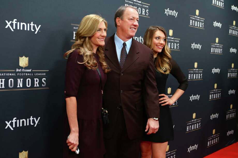 Retired quarterback Jim Kelly walks the red carpet before the NFL Honors awards ceremony on Saturday, February 1, 2014 at Radio City Music Hall in New York City. Photo: JOSHUA TRUJILLO, SEATTLEPI.COM / SEATTLEPI.COM