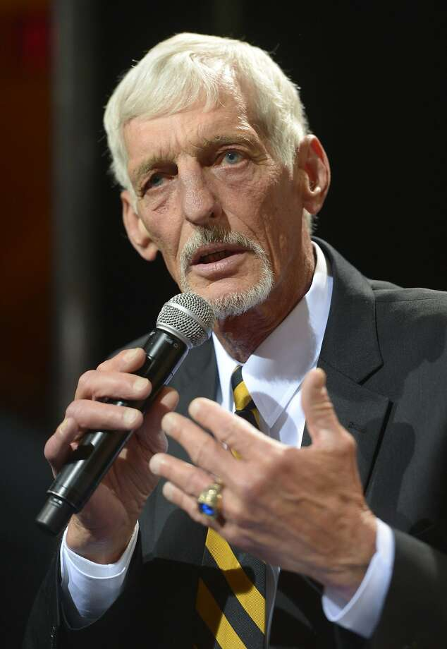 Ray Guy takes the stage after being elected to the Pro Football Hall of Fame. Photo: Kirby Lee, Reuters