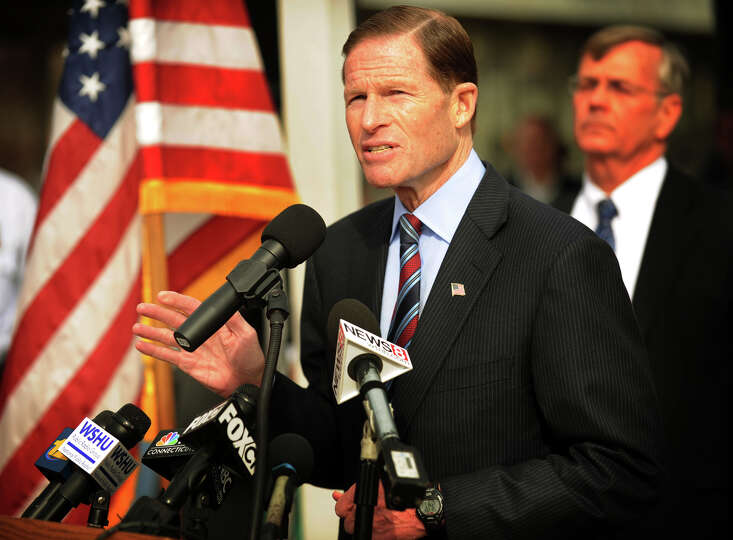 Senator Richard Blumenthal discusses needed improvements to Metro-North's New Haven Line at Union St