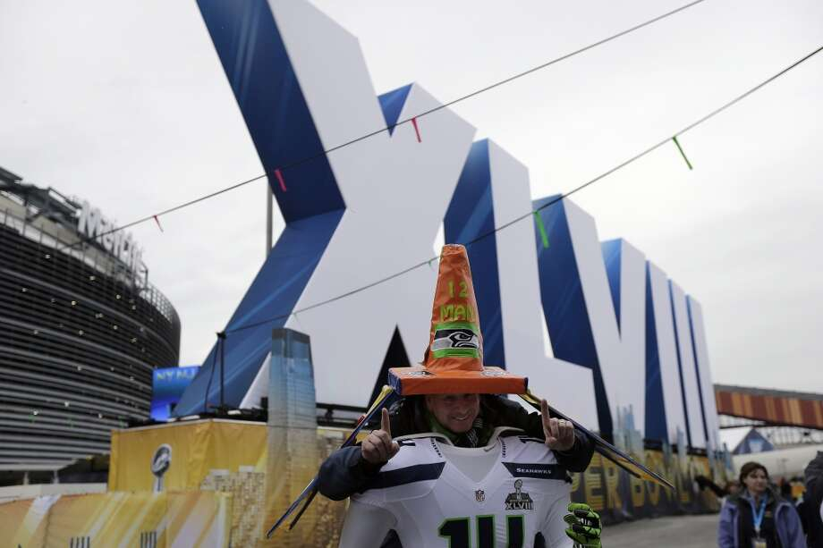A Seahawks fan before the start of the Super Bowl. Photo: Charlie Riedel, Associated Press