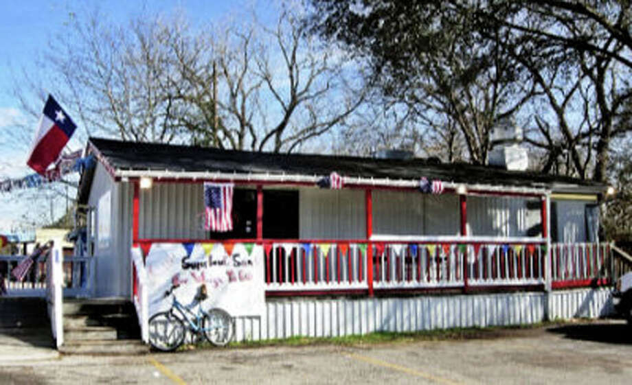 Little Bitty Burger Barn was featured in an episode of Food Network's 'Meat & Potatoes.' Photo: Alison Cook, Houston Chronicle / Houston Chronicle
