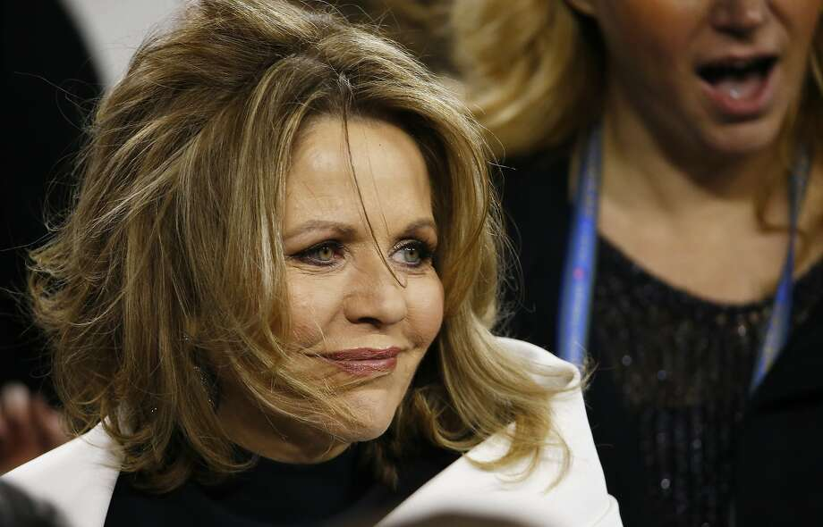 EAST RUTHERFORD, NJ - FEBRUARY 02:  Opera singer Renée Fleming is after singing the national anthem during Super Bowl XLVIII at MetLife Stadium between the Denver Broncos and the Seattle Seahawks on February 2, 2014 in East Rutherford, New Jersey.  (Photo by Tom Pennington/Getty Images) Photo: Tom Pennington, Getty Images
