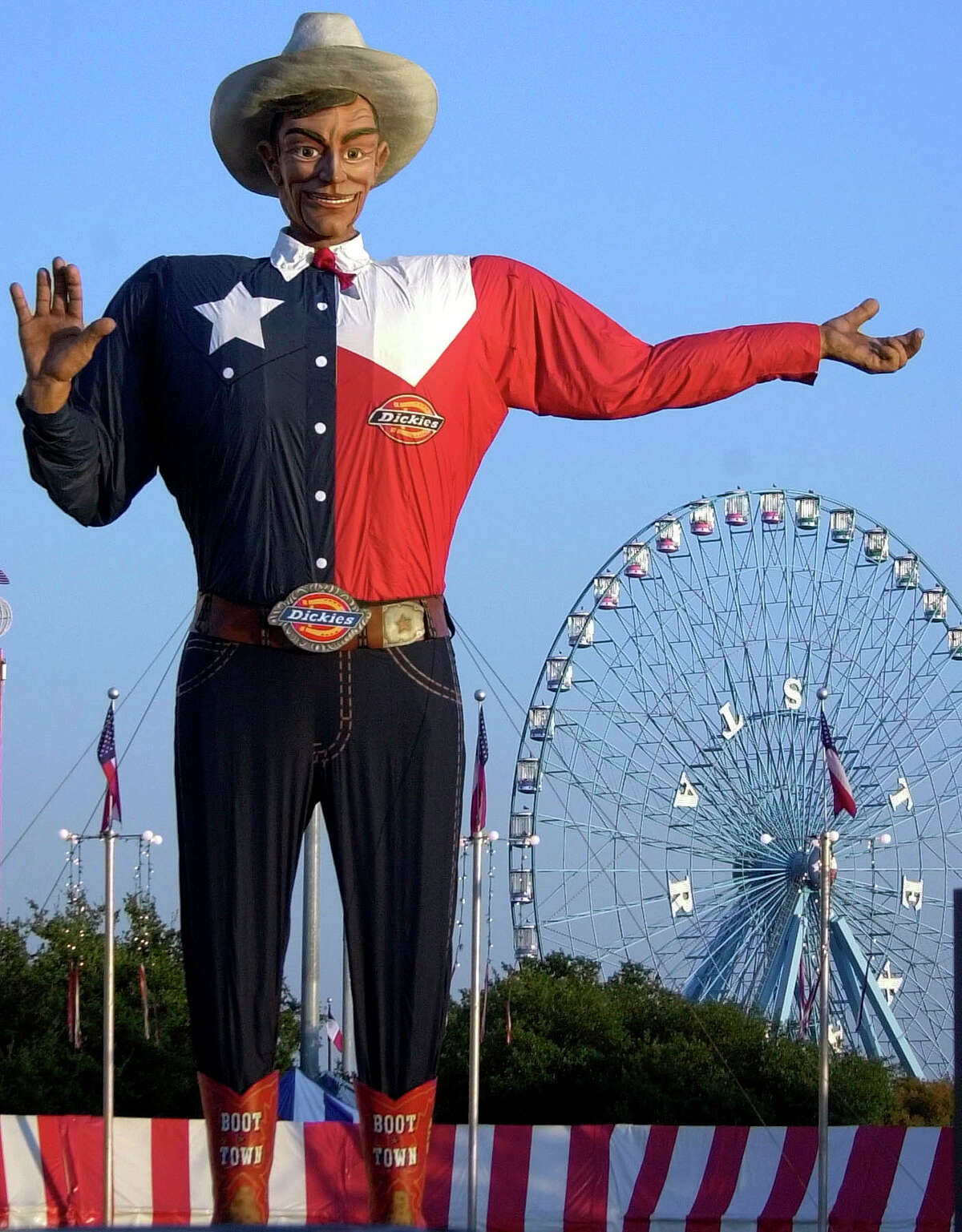 STATEWIDE: The average Texan (and yeah, we'll consider Big Tex here the average Texan) earns $43,620 per year - or about $20.97 per hour - according to the U.S. Bureau of Labor statistics. Here's how Texans fair on a city-by-city breakdown...