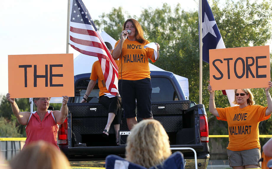 Gina Turner speaks last July at a demonstration against Walmart's building plans in Cibolo. Photo: Tom Reel/San Antonio Express-News