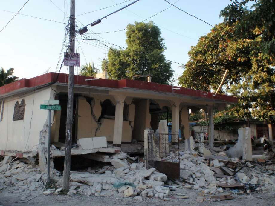 Destruction in the aftermath of the earthquake in Haiti, Jan, 2010. Photo: File Photo / Stamford Advocate File Photo