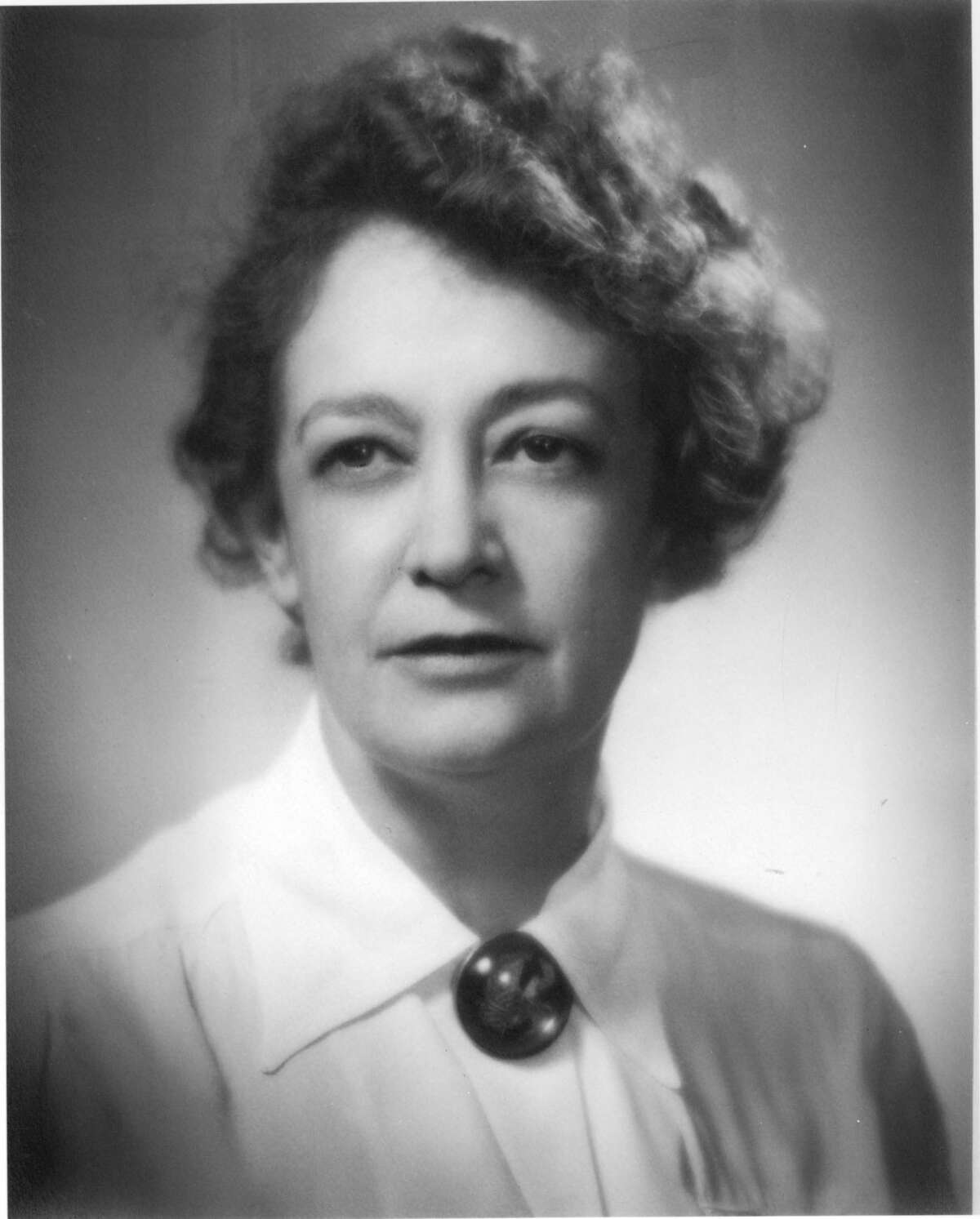 Dr. Ray K. Daily, HISD board member and physician. for editorial obit HOUCHRON CAPTION (05/23/2005) SECMETRO: CIVIC PIONEER: Dr. Ray Daily, a physician and community leader, left a mark on Houston that can be seen 30 years after her death.