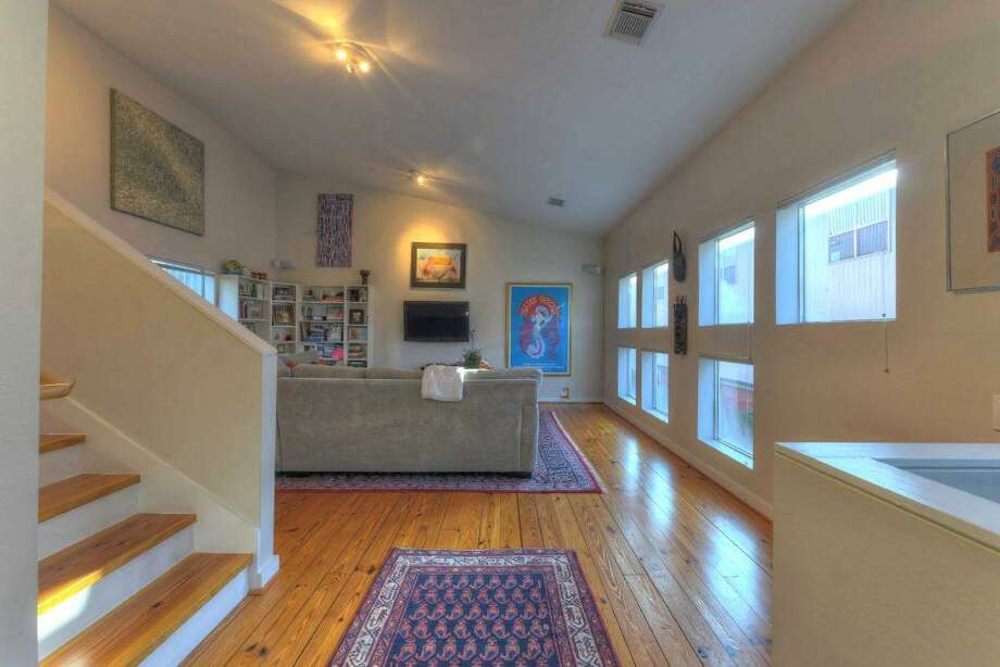 1117 Buckner: This 2001 townhome has 2 bedrooms, 2 bathrooms, 1,800 square feet, and is listed for $299,000.