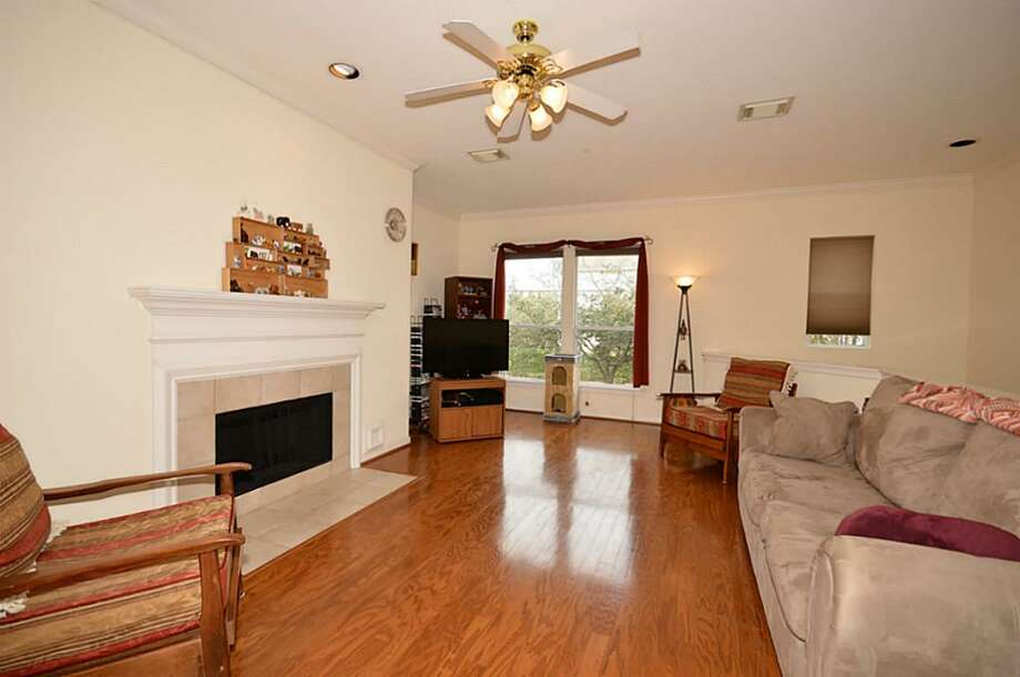 3023 Austin: This 2000 townhome has 3 bedrooms, 3 bathrooms, 2,058 square feet, and is listed for $286,000.