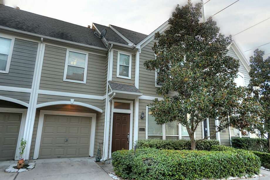1617 Oneil: This 1999 townhome has 2-3 bedrooms, 1.5 bathrooms, 1,510 square feet, and is listed for $249,900.