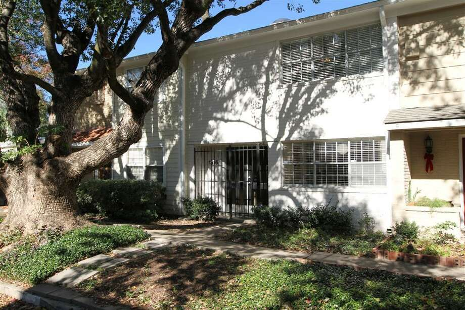 1316 Harold: This 1967 townhome has 2 bedrooms, 1.5 bathrooms, 1,804 square feet, and is listed for $232,000.