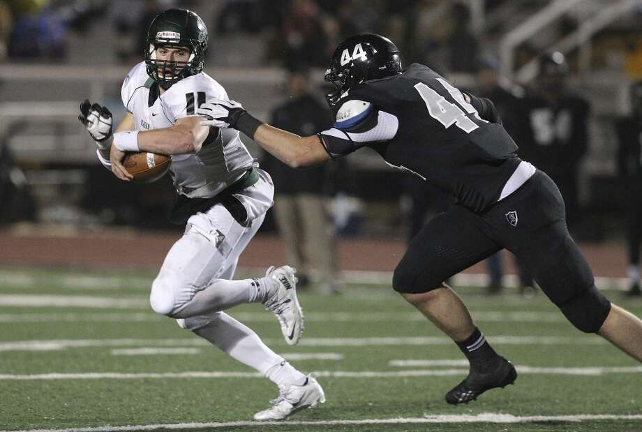 7. Josh Malin, Steele (right): DE, 6-6, 255, Baylor Photo: Kin Man Hui, San Antonio Express-News
