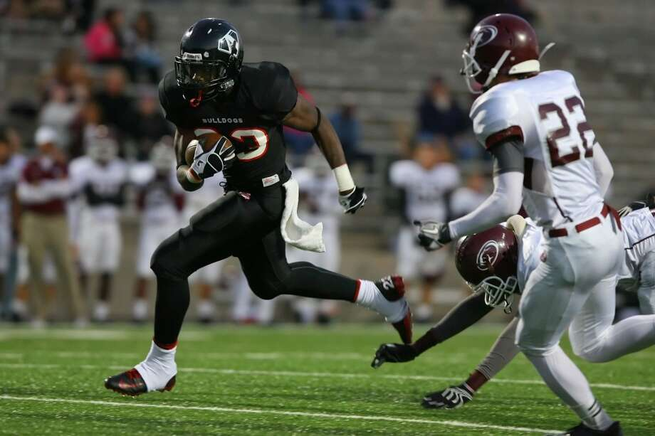 RB Vic Enwere   Height/weight: 6-1, 213  High school: FB  Austin   College: California  Photo: Matthew White, For The Chronicle