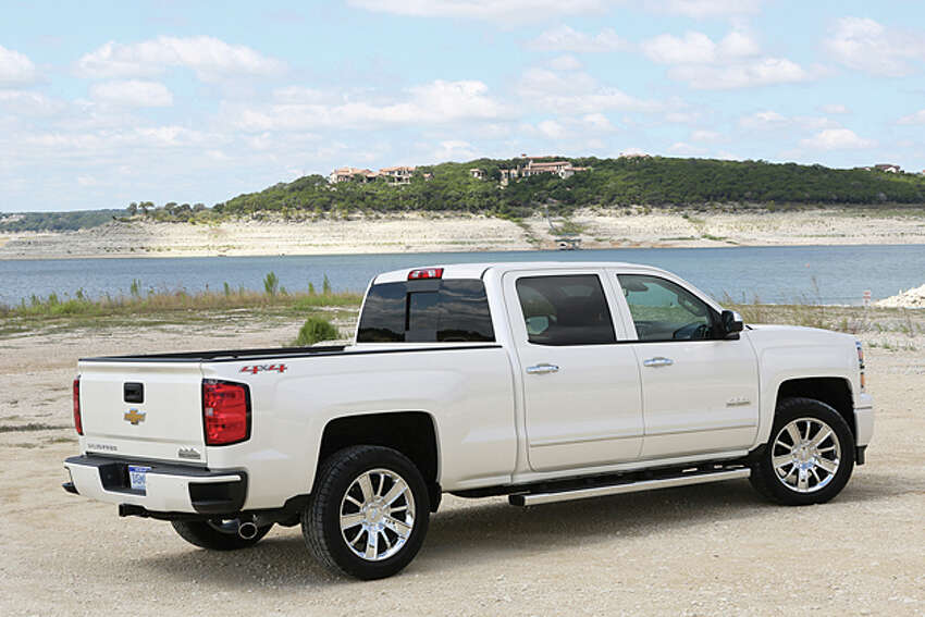 Hat and Cattle: 2014 Chevy Silverado 1500 High Country 4WD Crew Cab (photo courtesy General Motors Corp.)