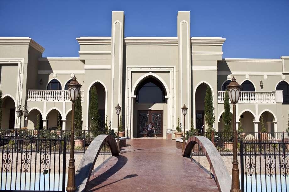 Maryam Masjid is a four-year-old mosque in Sugar Land, Texas. (Eric Kayne/Houston Chronicle) Photo: Eric Kayne, For The Chronicle