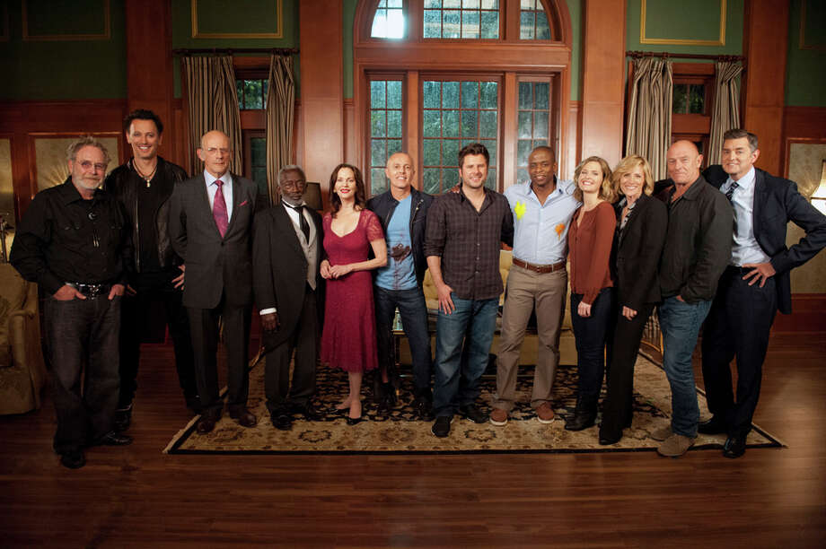 """100 Clues"" -- Pictured: (l-r) Martin Mull as Highway Harry, Steve Valentine as Billy Lipps, Christopher Lloyd as Martin, Garrett Morris as Clizby, Lesley Ann Warren as Leslie, Curt Smith, James Roday as Shawn Spencer, Dule Hill as Gus Guster, Maggie Lawson as Juliet O'Hara, Kirsten Nelson as Karen Vick, Corbin Bernsen as Henry Spencer, Timothy Omundson as Lassiter. Photo: USA Network, USA Network/NBCU Photo Bank / 2012 USA Network Media, LLC"
