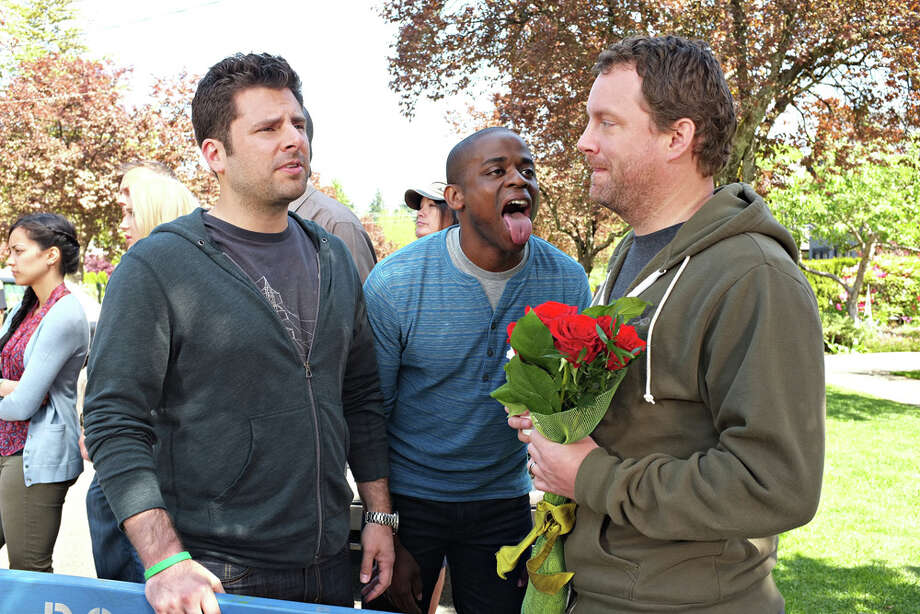 """S.E.I.Z.E the Day"" Episode 801 -- Pictured: (l-r) James Roday as Shawn Spencer, Dule Hill as Gus Guster, Patrick Gilmore as Patrick. Photo: USA Network, USA Network/NBCU Photo Bank / 2013 USA Network Media, LLC"