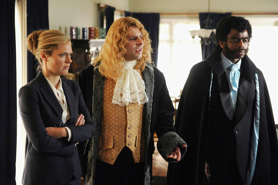 """""""The Episode Sucks"""" Episode 3 -- Pictured: (l-r) Maggie Lawson as Juliet O'Hara, James Roday as Shawn Spencer, Dule Hill as Burton 'Gus' Guster. Photo: Alan Zenuk, USA Network/NBCU Photo Bank / © USA Network"""