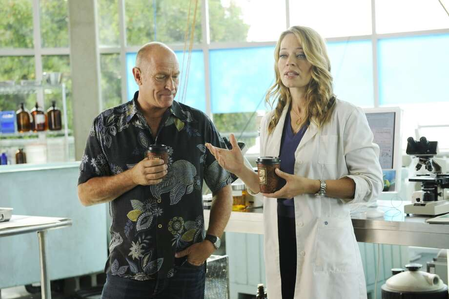 """The Head, The Tail, The Whole Damn Episode"" Episode 4014 -- Pictured: (l-r) Corbin Bernsen as Henry Spencer, Jeri Ryan as Dr. Phenix. Photo: NBC, NBC Via Getty Images"