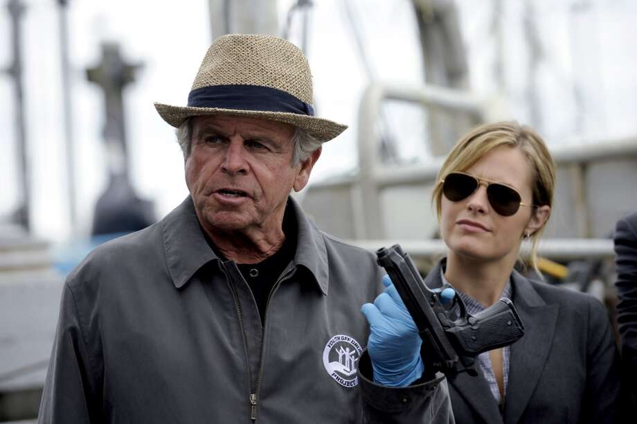 """VIAGRA FALLS"" Episode 5006 -- Pictured: (l-r) William Devane as Peters, Maggie Lawson as Juliet O'Hara. Photo: USA Network, USA Network Via Getty Images"