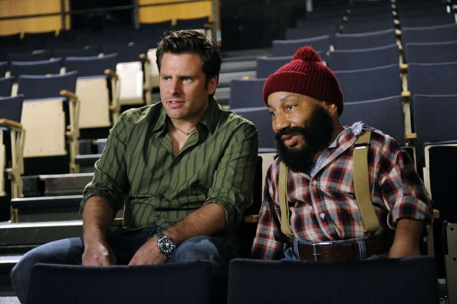 """THE POLARIZING EXPRESS"" Episode 5010 -- Pictured: (l-r) James Roday as Shawn Spencer, Tony Cox as Tony Cox. Photo: USA Network, USA Network Via Getty Images"