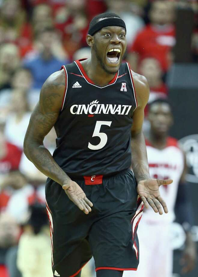 LOUISVILLE, KY - JANUARY 30:  Justin Jackson#5 of the Cincinnati Bearcats celebrates during the game against the Louisville Cardinalsat KFC YUM! Center on January 30, 2014 in Louisville, Kentucky.  Cincinnati won 69-66. Photo: Andy Lyons, Getty Images / 2014 Getty Images
