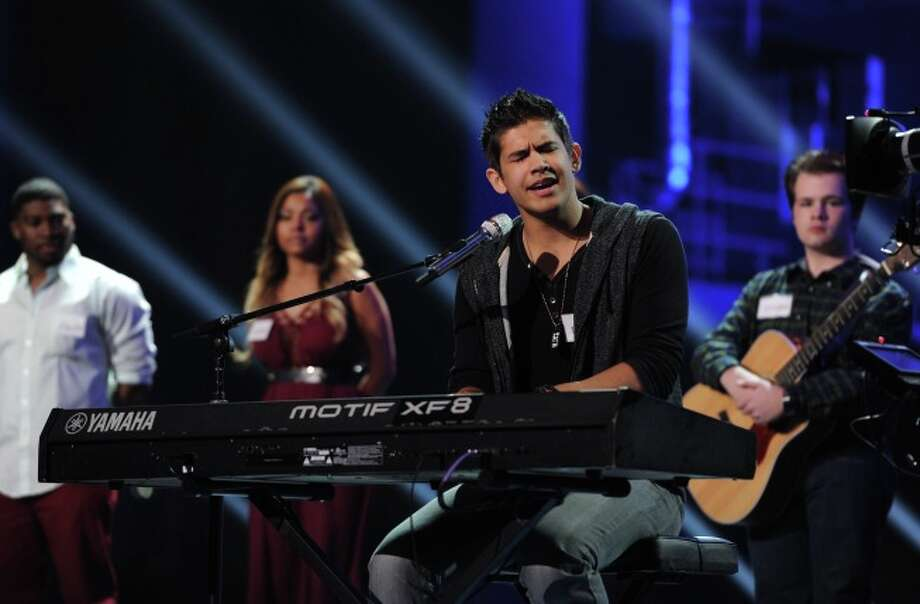 """AMERICAN IDOL XIII: Contestants compete in the all-new """"Hollywood or Home"""" episode of AMERICAN IDOL XIII airing Wednesday, Feb. 5 (8:00-10:00 PM ET/PT) on FOX. CR: Michael Becker / FOX. Copyright 2014 FOX BROADCASTING. / 2014 FOX / FS1"""