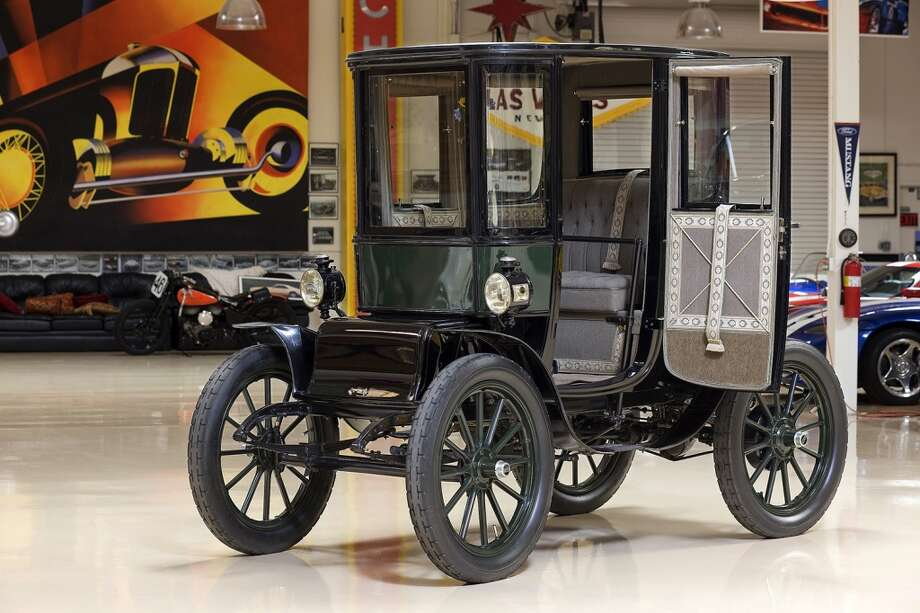 Jay Leno's 1909 Baker Electric. Photo: NBC, NBC Via Getty Images