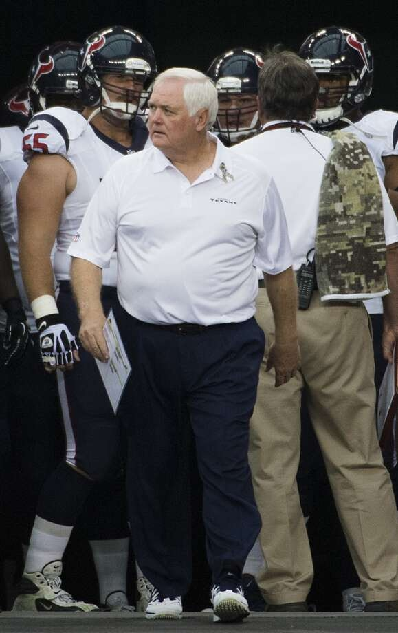Wade Phillips leads the Texans onto the field before their 27-24 loss on Nov. 10, 2013, in Glendale, Arizona. Photo: Smiley N. Pool, Houston Chronicle