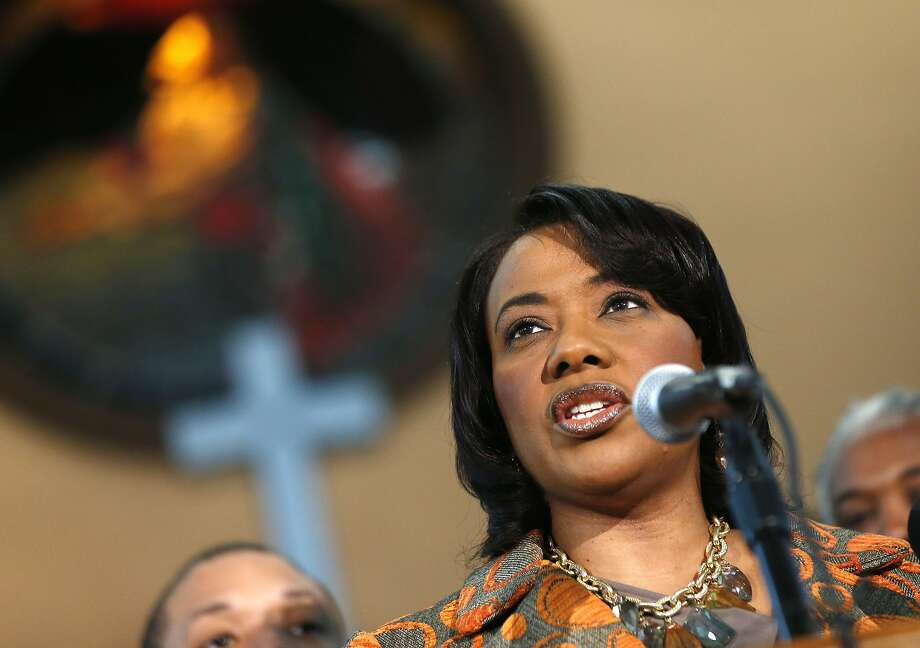 "Bernice King, Martin Luther King Jr.'s daughter, holds a news conference at Ebenezer Baptist Church in Atlanta, where she accused her two brothers of planning to sell ""precious items"" belonging to their father. Photo: John Bazemore, Associated Press"