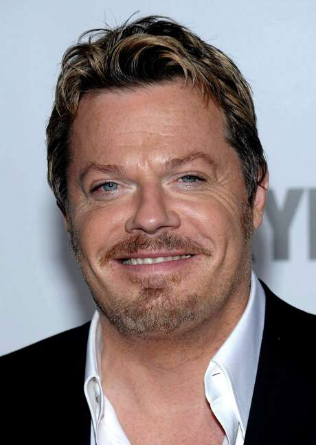 ** FILE ** In this Dec. 15, 2008 file photo, Eddie Izzard attends the world premiere of 'Valkyrie' at the Time Warner Center in New York. (AP Photo/Evan Agostini, file) Photo: Evan Agostini, FRE / AGOEV