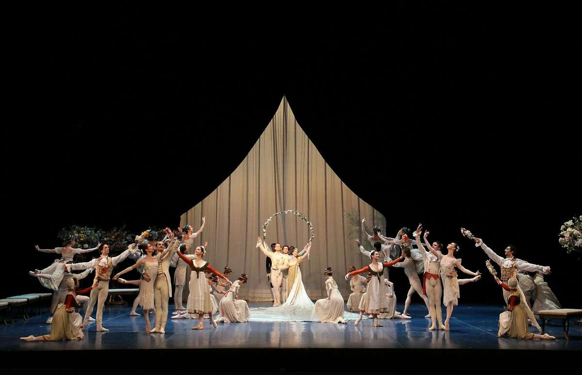 Hamburg Ballet in Neumeier's A Midsummer Night's Dream.