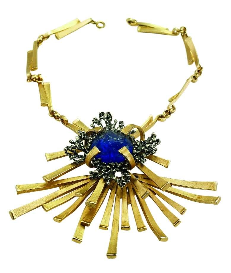 A Napier 1970s horseshoe nail necklace.