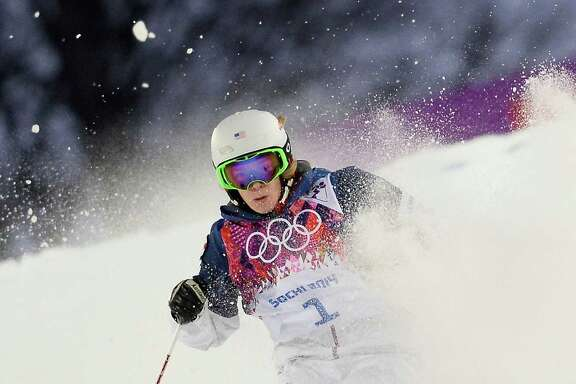 American Hannah Kearney led the way in women's moguls qualifying Thursday at Krasnaya Polyana, Russia.