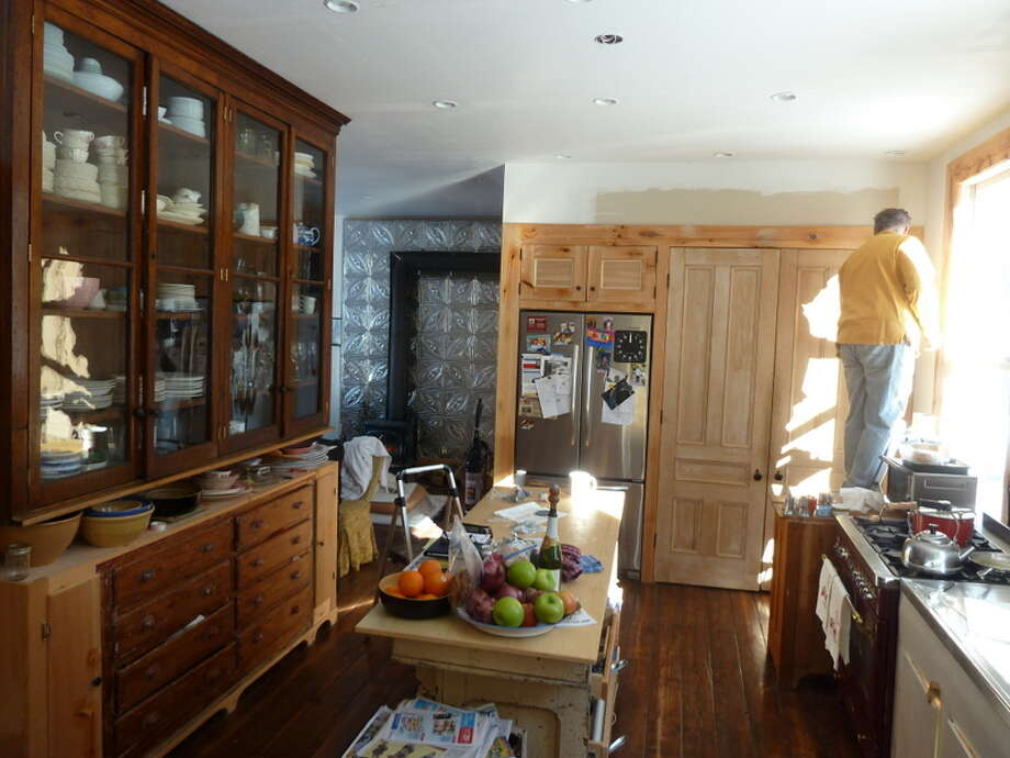 Here's the before of the fridge and pantry area. Photo: Picasa