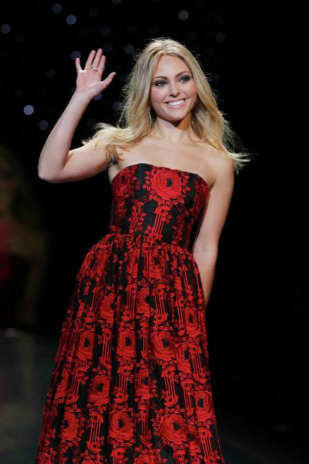 Actress AnnaSophia Robb wearing Alice + Olivia as she participates in the Go Red For Women-The Heart Truth Red Dress Collection show during Fashion Week in New York.  Photo: Amanda Schwab, Associated Press / STARPIX