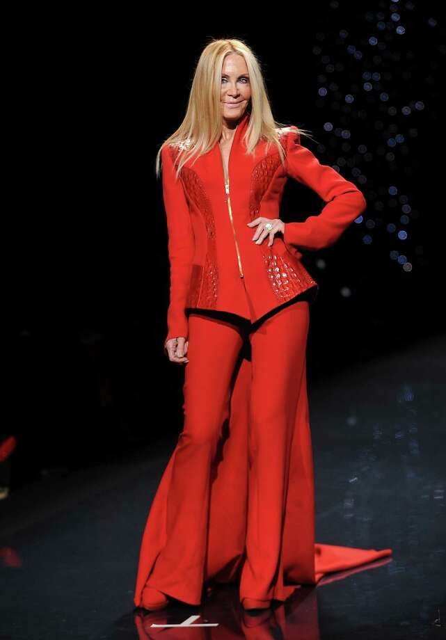 Actress Joan Van Ark models an outfit. Photo: Brad Barket, Associated Press / AP2014