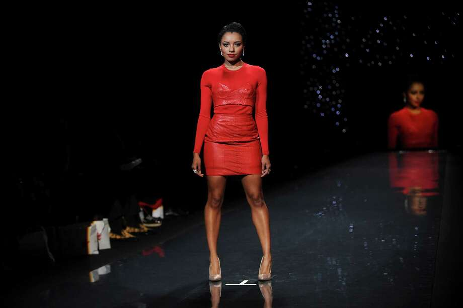 American actress Kat Graham walks the runway.  Photo: Brad Barket, Associated Press / AP2014