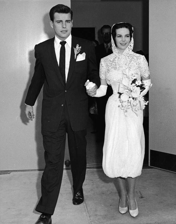 Robert Wagner and Natalie Wood (1938 - 1981) leave the church holding hands just after their wedding, Scottsdale, Arizona, December 28, 1957. Photo: Jack Albin, Getty Images