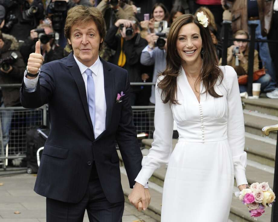 Sir Paul McCartney and his fiancee Nancy Shevell arrive at Westminster Registry Office in Marylebone for their wedding on October 9, 2011 in London. Photo: FACUNDO ARRIZABALAGA, AFP/Getty Images