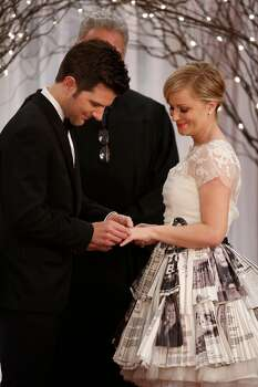 "Ben Wyatt and Leslie Knope get married on ""Parks and Recreation,"" 2012. Photo: NBC, NBCU Photo Bank Via Getty Images"