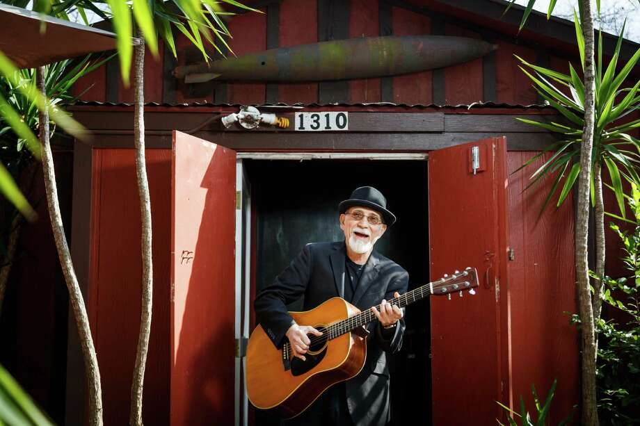 Rock Romano's Red Shack Recording Studio stands behind his home in the Heights. Photo: Michael Paulsen, Staff / © 2014 Houston Chronicle