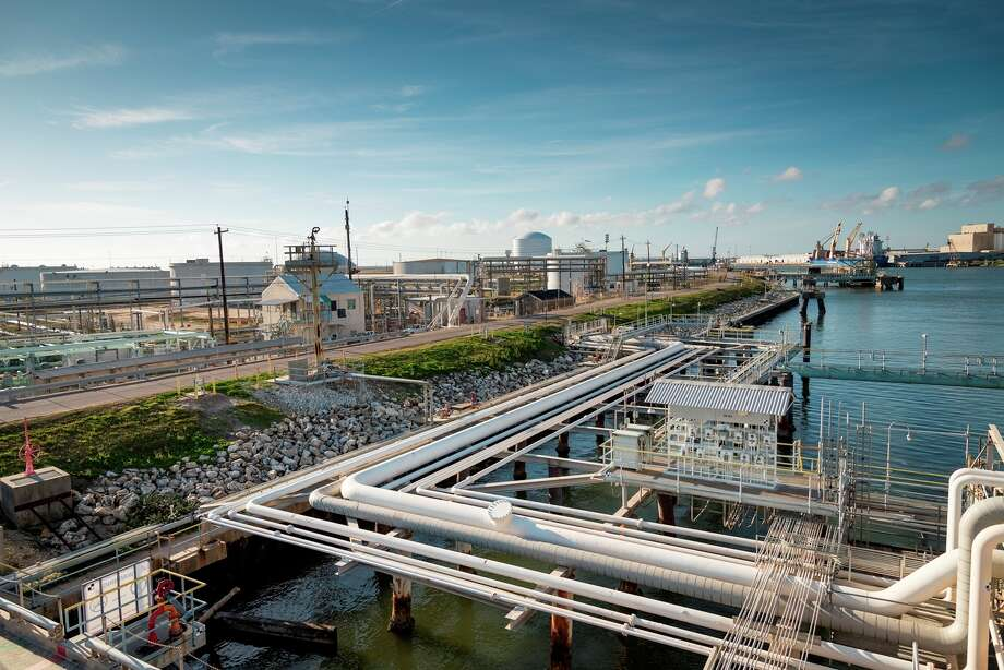 Phillips 66 plans to develop a new liquefied petroleum gas export facility at the site of its existing marine terminal in Freeport. Seventy percent of Phillip 66's $4.6 billion capital budget will go toward its midstream segment this year. / © Hall Puckett 2014