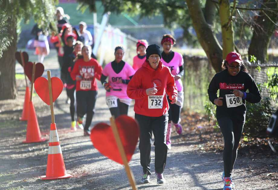 Participants run the course during the Valentine's Day Dash. Photo: JOSHUA TRUJILLO, SEATTLEPI.COM / SEATTLEPI.COM