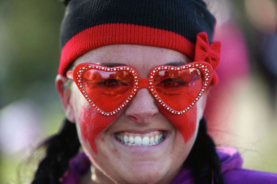 A participant shows her spirit during the Valentine's Day Dash 5K. Photo: JOSHUA TRUJILLO, SEATTLEPI.COM / SEATTLEPI.COM